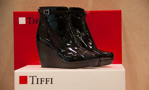 """Tiffi"" Modern Woman"