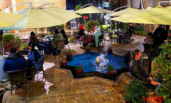 Kariz Garden Café